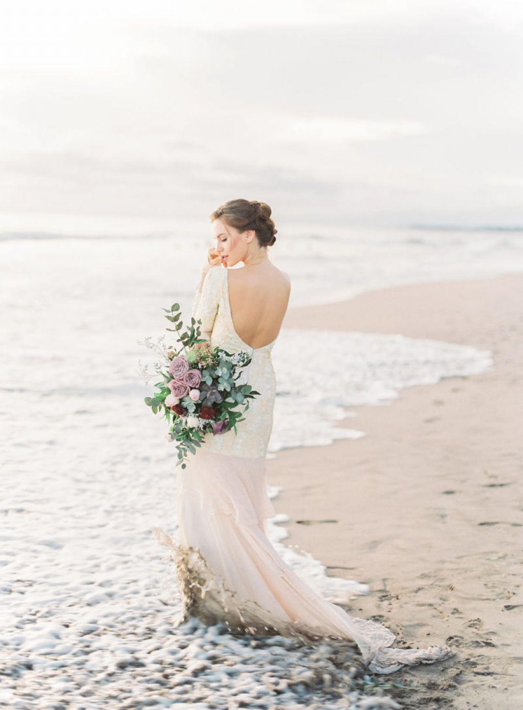 Beach Pre Wedding Photo Shoot Inspiration