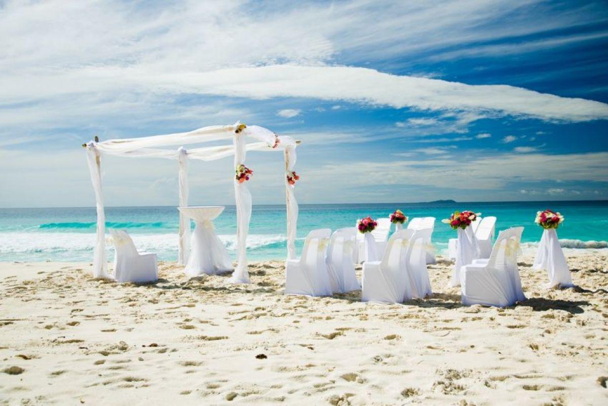 Wedding at SAII Lagoon Maldives,Curio by Hilton