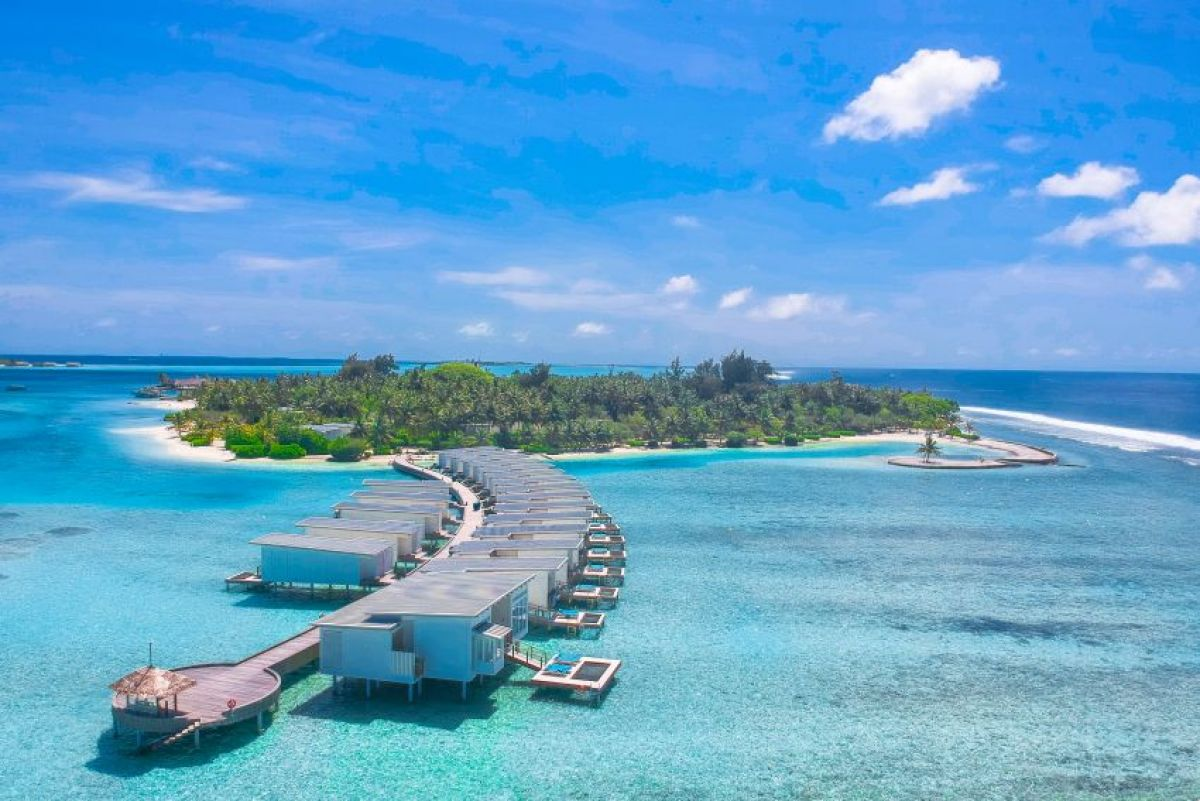 Holiday Inn Resort® Kandooma Maldives