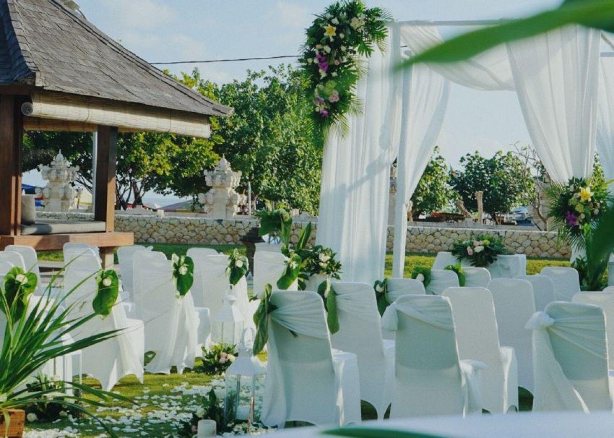 wedding at Bali Niksoma Boutique Beach Resort