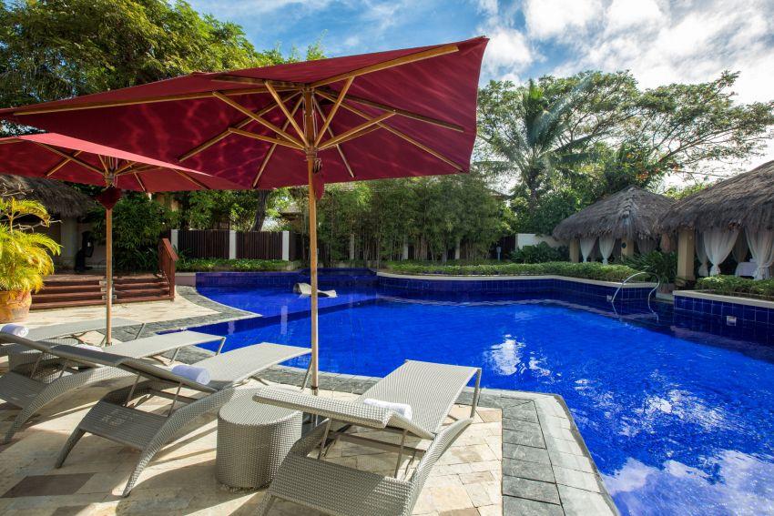 Crimson Resort & Spa Mactan