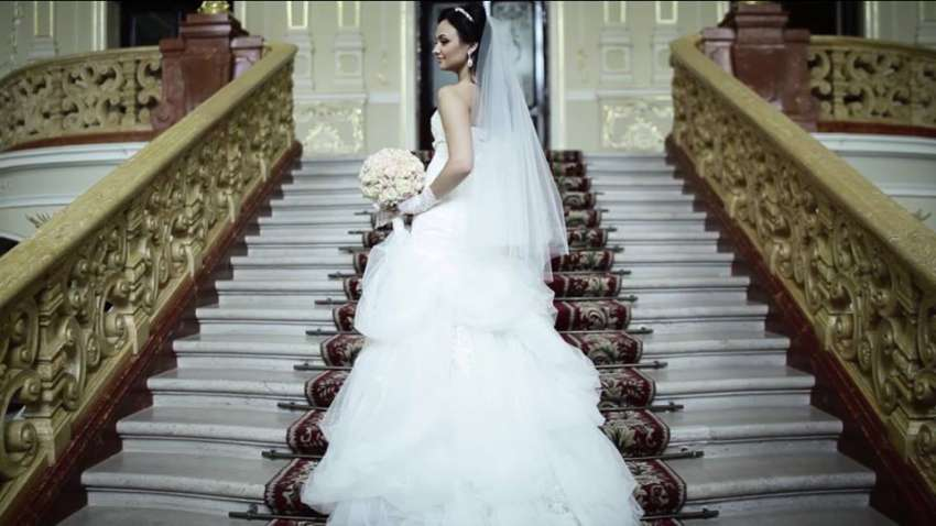 Wedding dresses & gowns in Bangkok, Thailand | Hitchbird