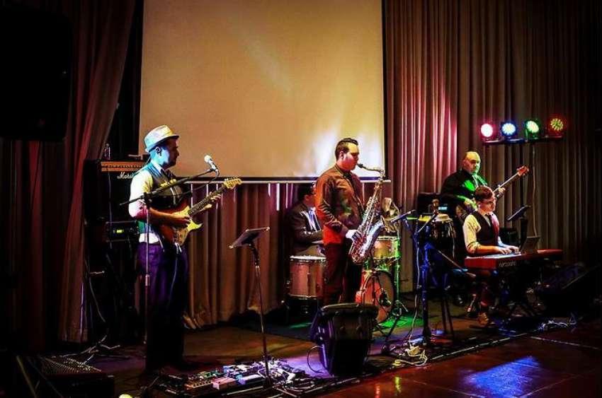 Radio Club Band