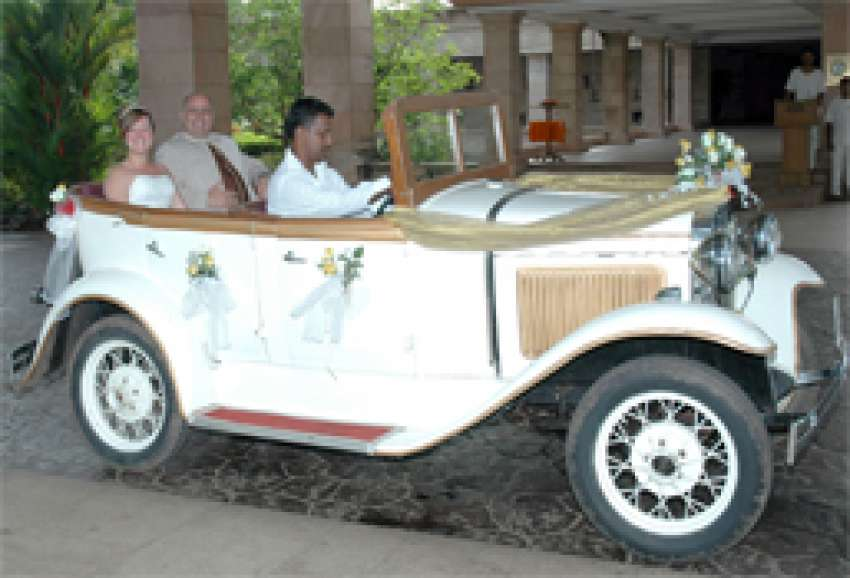 Wedding Car Transportation in Goa, India | Hitchbird