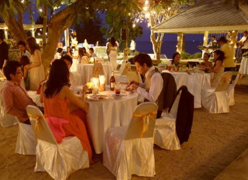 Baan Bayan Beachfront Hotel